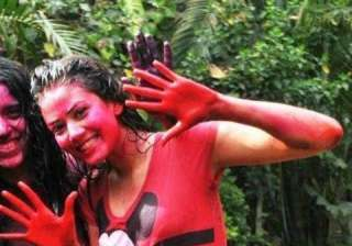 Mira Rajput is unrecognisable in her Holi pictures