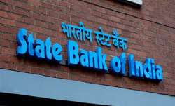 SBI lowers minimum balance requirement in savings account
