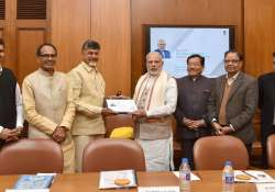 Tax cash transactions above Rs 50,000: CMs panel tell PM