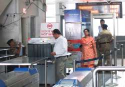 Man held for carrying live bullets at Delhi metro station