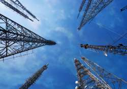 Six telcos understated revenues by over Rs 61,000 cr: CAG