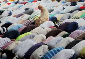 Punctuality to offer prayers will determine salary of court- India Tv