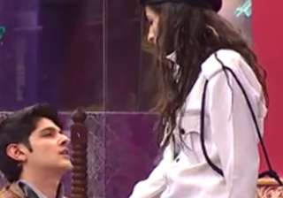 Rohan, Priyanka get into physical fight during...