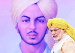 PM Modi pays tribute to martyred revolutionaries...