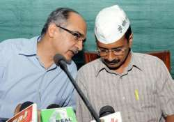 delhi chief minister orders acb to file firs against moily