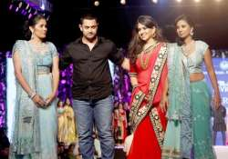 shaina nc s fashion show for cpaa lands in trouble