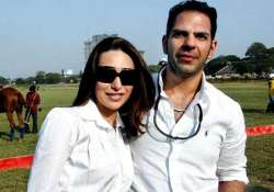 karisma still struggling for divorce issues over trust for