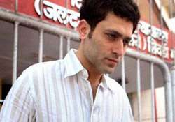 bigg boss 9 why shiney ahuja wants to sue the makers of the