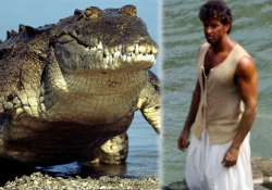 woah hrithik roshan fights with 20 feet crocodile for