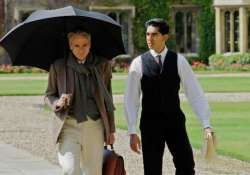 the man who knew infinity mathematician ramanujan s life to