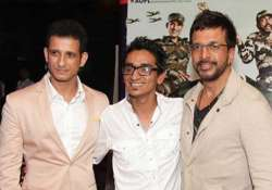 war chhod na yaar director plans special screenings for the