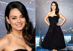 mila kunis stuns in red carpet appearance post baby