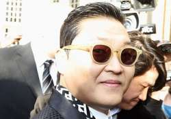 gangnam style hits one billion views on youtube