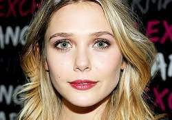 elizabeth olsen didn t want to become an actress