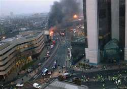 2 dead after helicopter crashes in london