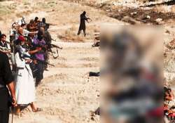 isis executes more than 160 captured syrian soldiers ngo