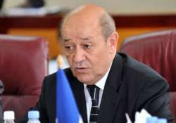 france doesn t rule out sending troops to fight is