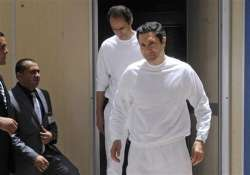 egypt release of mubarak s sons caps weekend of violence