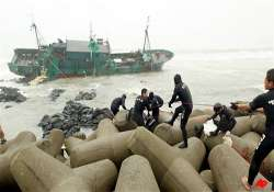 typhoon pounds south korea smashes ships 8 dead