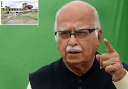 advani lauds tn police for detection of bomb on his route