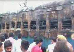 32 people charred to death in tn express fire railway
