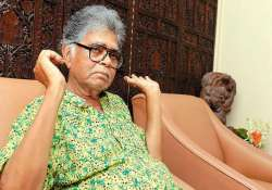 family opposes donation of sunil gangopadhyay s body