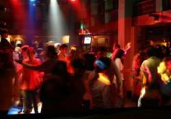why can t delhi have a nightlife like mumbai