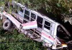 18 dead 17 injured as bus falls into ditch in uttarakhand