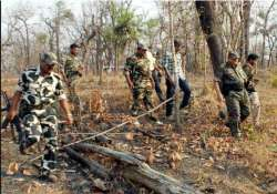 6 women maoists killed in police encounter in gadchiroli