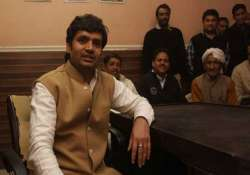 independent mla shokeen withdraws support to aap govt