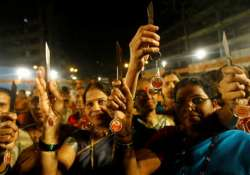 shiv sainiks distribute knives to women for protection