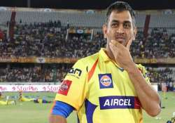 dhoni files rs.100 crore defamation case against two tv