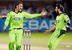 pakistan level series with spirited win at lords