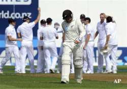 kiwis forced to follow on 77 for 1 at stumps