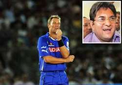 shane warne escapes ban fined 50 000 for his spat with dixit