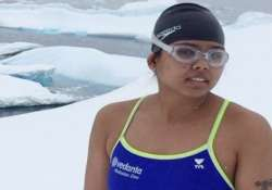 president pm laud swimmer bhakti for new world record