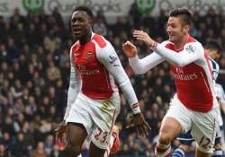 epl welbeck goal gives arsenal 1 0 win over west brom