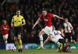 united beats shakhtar donetsk 1 0 to top group