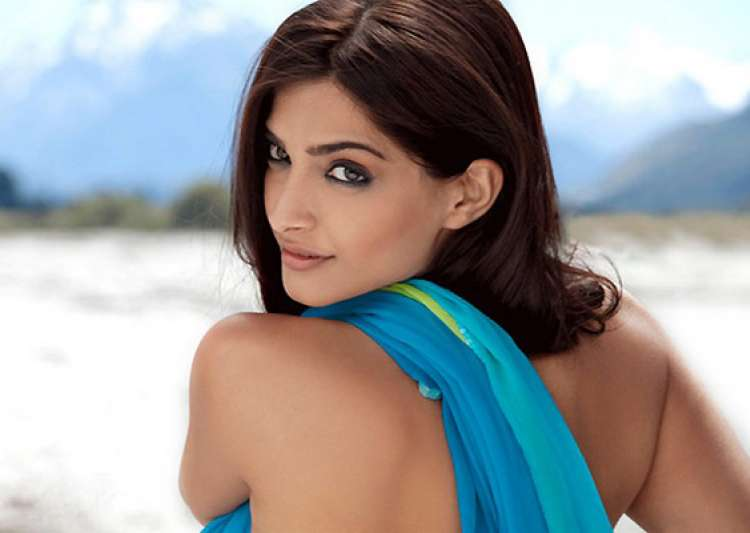 i don t have the body proportions of a barbie doll says sonam kapoor- India Tv