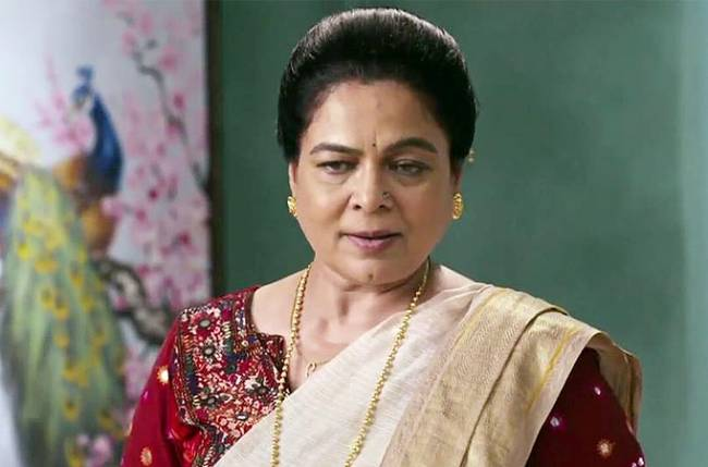 Veteran actress Reema Lagoo died of a cardiac arrest. She played mother to many Bollywood actors. The actress delivered many powerful performances in the past. She was last seen in a TV show Naamkaran. Here is the list of films in which Reema wonderfully essayed the role of a mother.