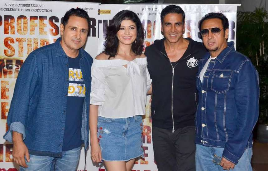 The Jodi No 1 actress Pooja Batra is making her comeback with Mirror Game. The special screening of the film was held yesterday in Mumbai where several celebs attended the event.