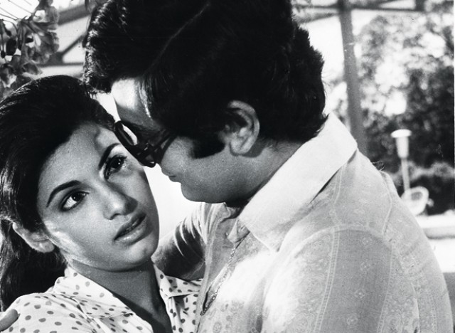 Dimple Kapadia debuted when she was just 16. She was introduced by Raj Kapoor in his 1973 teen romance Bobby. She won Filmfare Award for Best Actress.