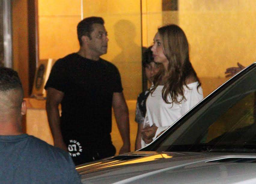 Superstar Salman Khan along with his rumoured lover Iulia Vantur arrived at Alivra Agnihotri's house party, last night. Both of them were looking amazing together. Salman and Iulia were rumoured to be dating from quite some time.