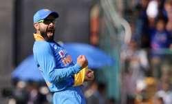 Live Score India vs Australia, 3rd ODI: Kohli's stunner breaks century stand