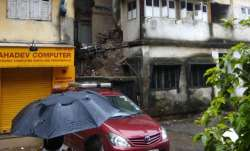 Maharashtra: Portion of house collapses at Pavwala Street, Mumbai