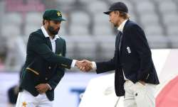 England captain Joe Root shakes hands with Pakistan captain