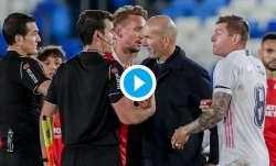 zinedine zidane, toni kroos, real madrid, referee
