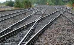 one dead, five jump off, wrong train, Uttar Pradesh, Jhansi, crime news, uttar pradesh latest update