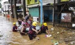 Rains wreak havoc in Maharashtra; 6,000 passengers stranded