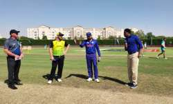 Australia captain Aaron Finch won the toss and opted to bat